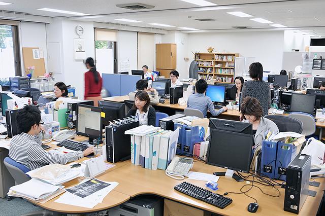 recruit_office_01_640.jpg